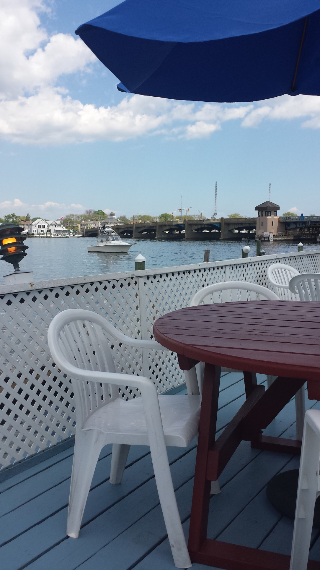 To plagiarize my brother's Instagram: a dockside lunch is a great lunch.